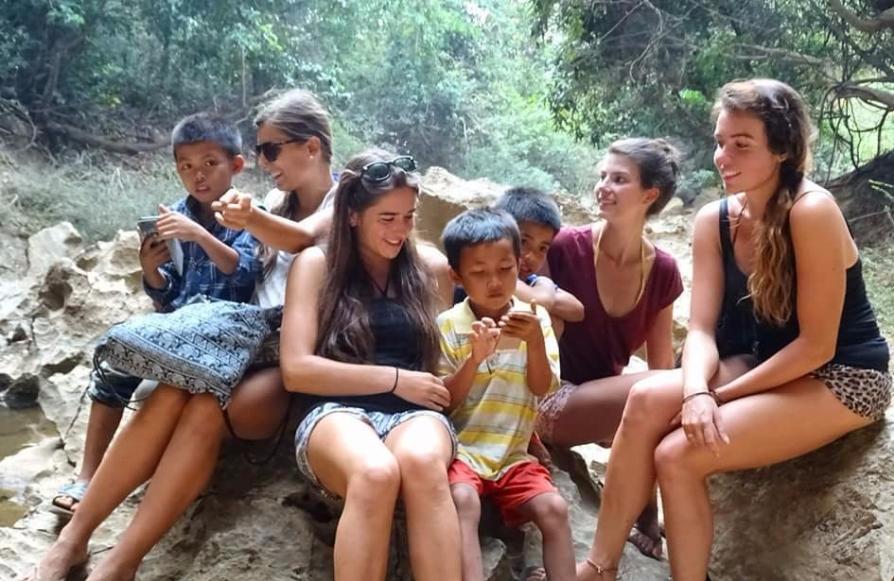 Moment avec des enfants Laotiens