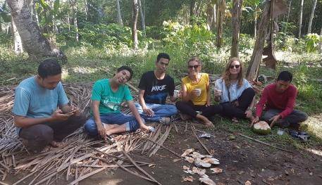 Avec des Indonésiens rencontrés à la Waterfall