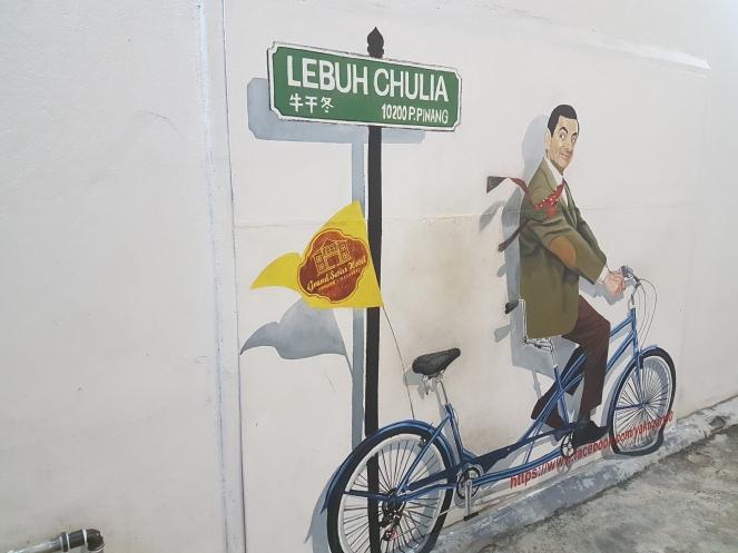 Mister Bean qui fait du vélo